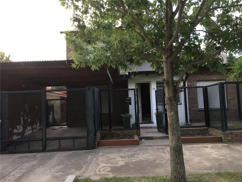 Casa 3 dormitorios Roldan Centro