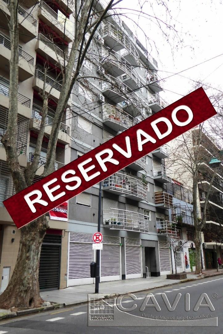 Monoambiente cfte. balcón con vista despejada, cocina comedor independiente amplia