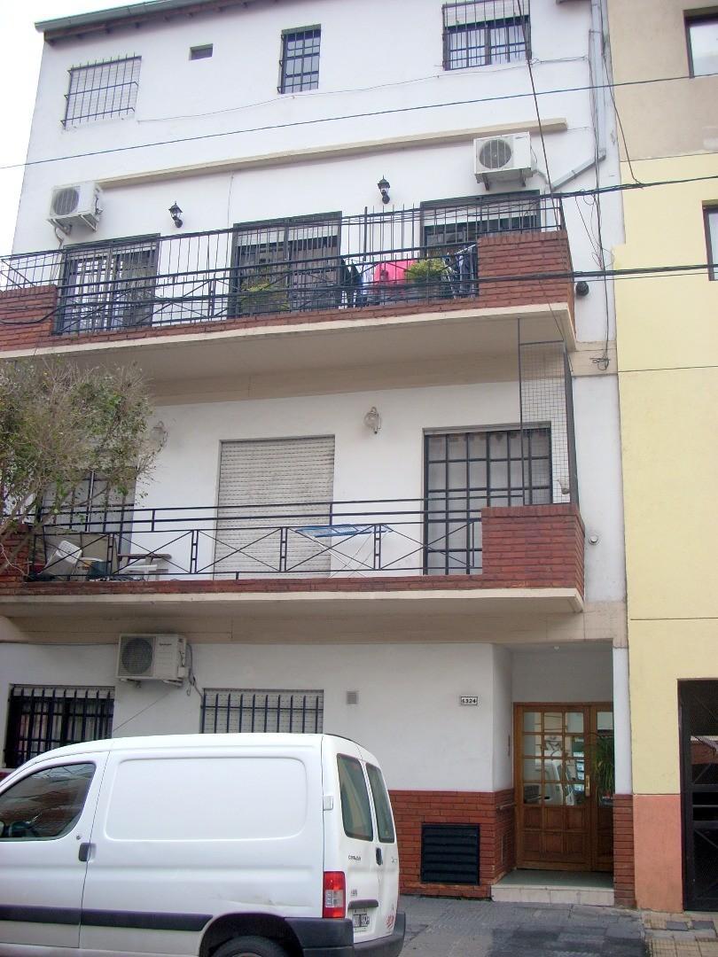 OPORTUNIDAD Muy buen PH 2 Ambientes mas patio y terraza en Villa del Parque