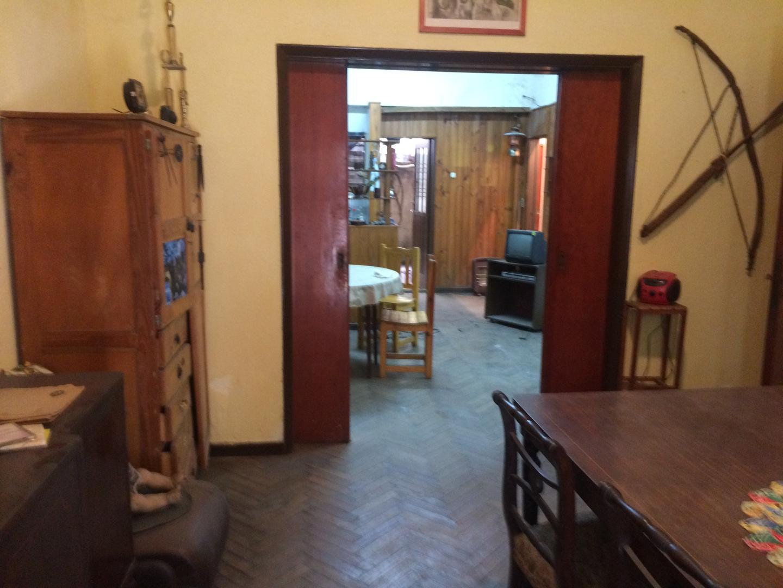 Departamento en Venta en Monte Castro - 3 ambientes