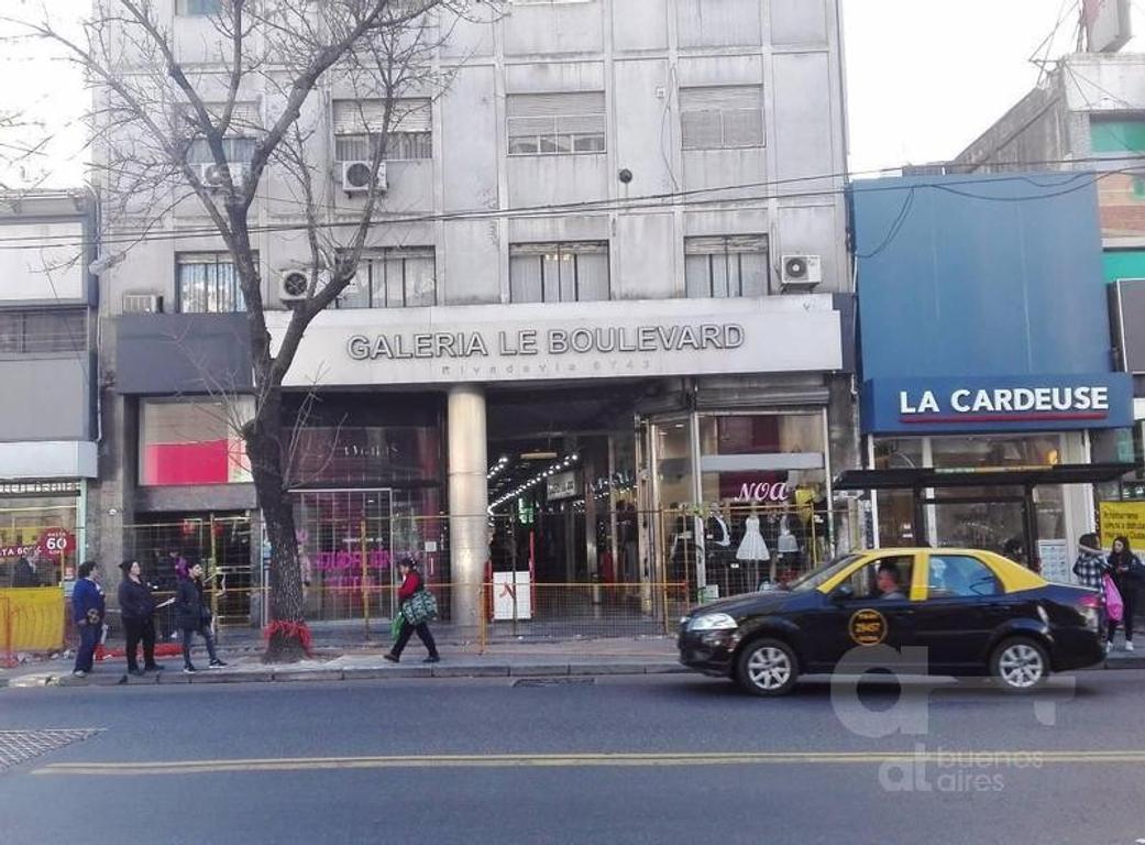 Alquiler Local - Flores- Galeria Le Boulevard