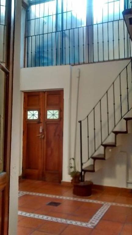 Hermoso PH de 3 amb en P. B. con Patio Cubierto. Entrepiso a terminar de 32 m2. Terrazas (2)