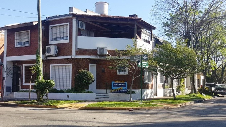 Departamento tipo casa en alquiler en reservado ing guillermo marconi 3102 olivos roche - Alquiler casa roche ...