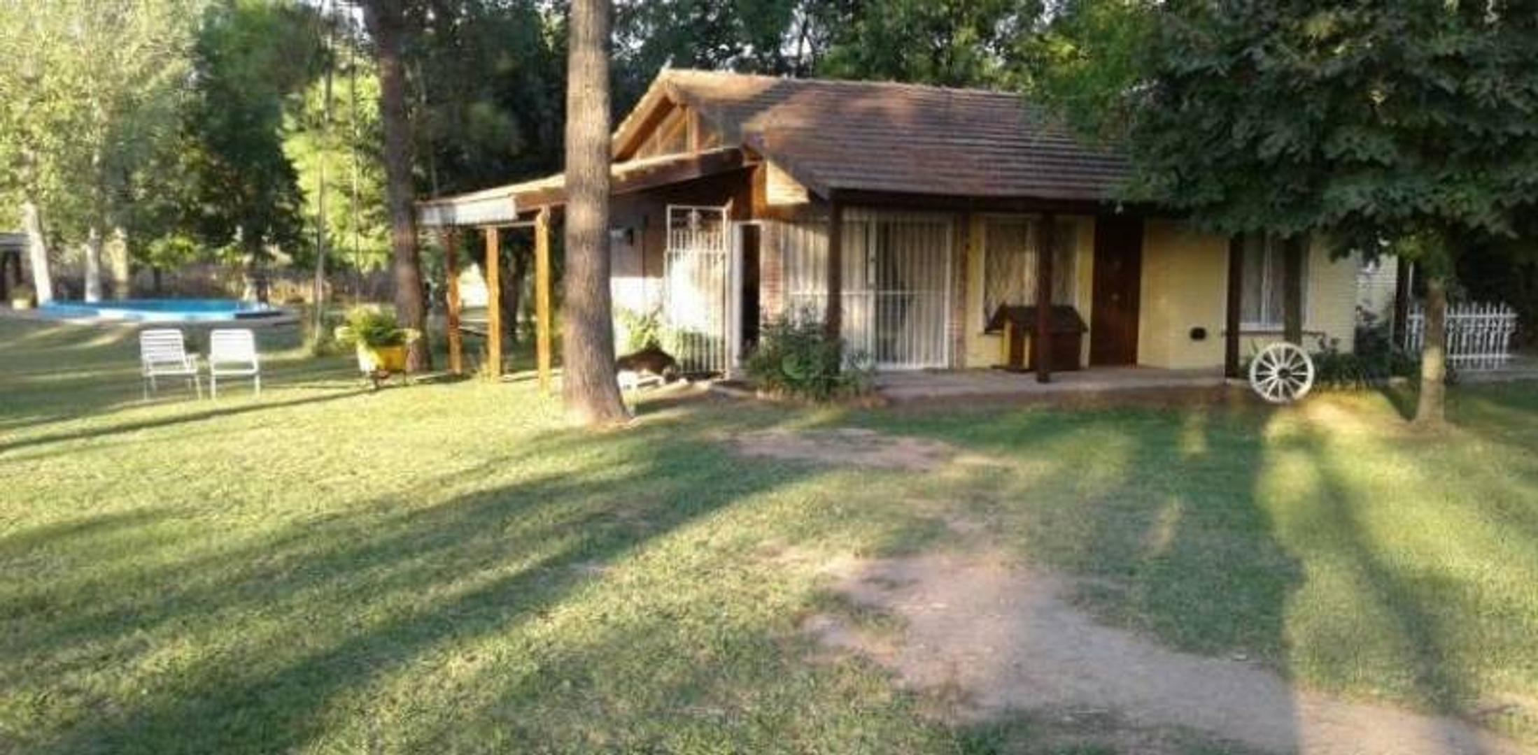 Casa de campo con amplio parque!!!!