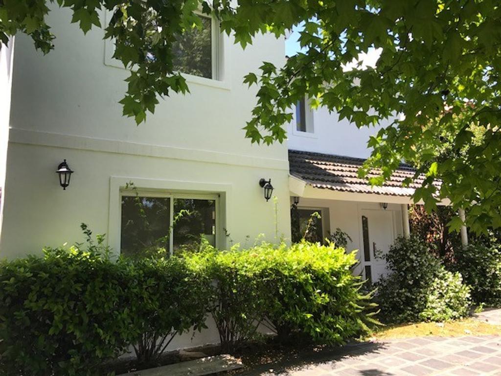 Excelente casa en Los Pilares