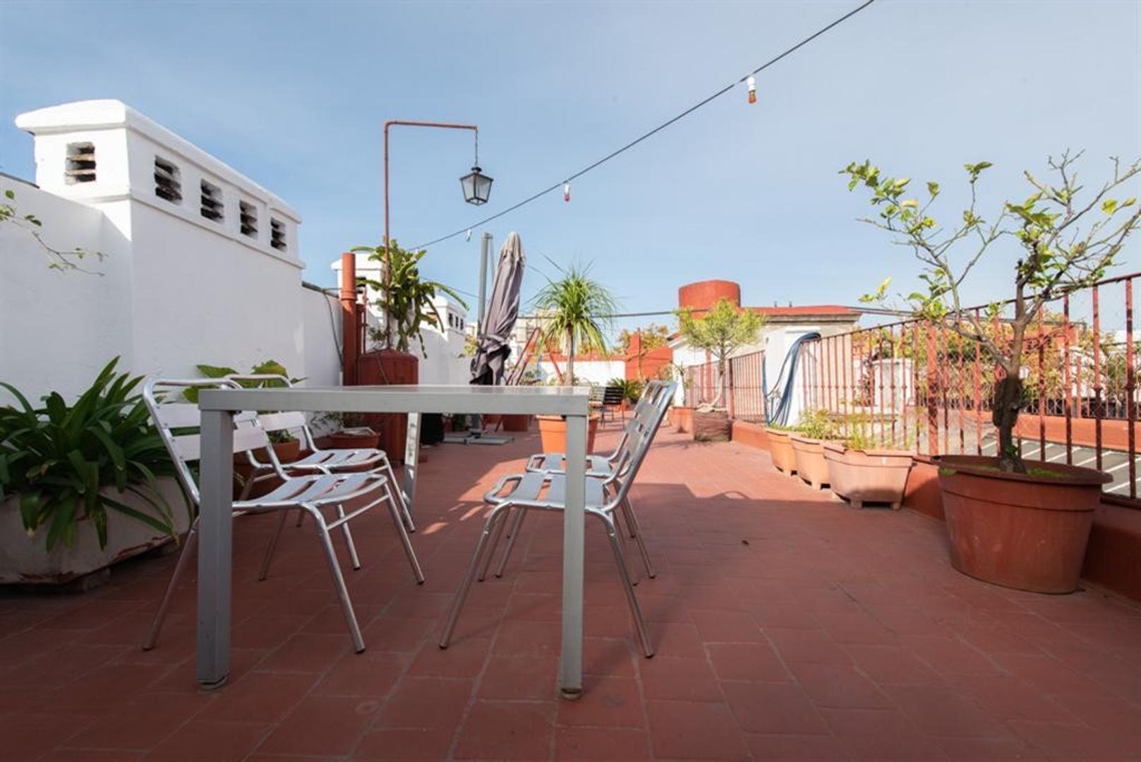 Departamento con terraza, muy bien reciclado.  - Foto 35