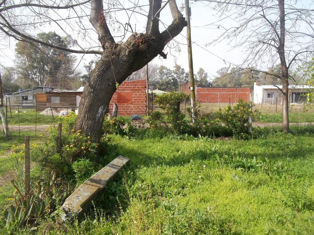 LOTE  ESQUINA : 370 M2 - BARRIO SARMIENTO - LA LONJA - PILAR