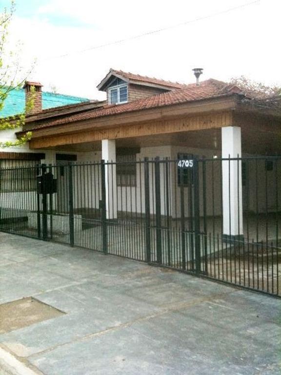 Casa 3 dormitorios, San Martín 4705, Neuquén.