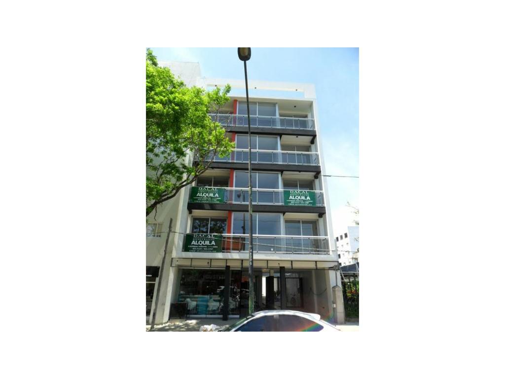 Local En Alquiler En 44 E 23 Y 24 Al 1400 La Plata