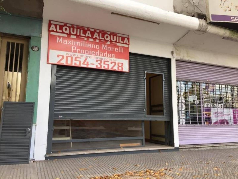 LOCAL 60 m2 SOBRE AVENIDA RIVADAVIA AL 9800.- ZONA COMERCIAL.