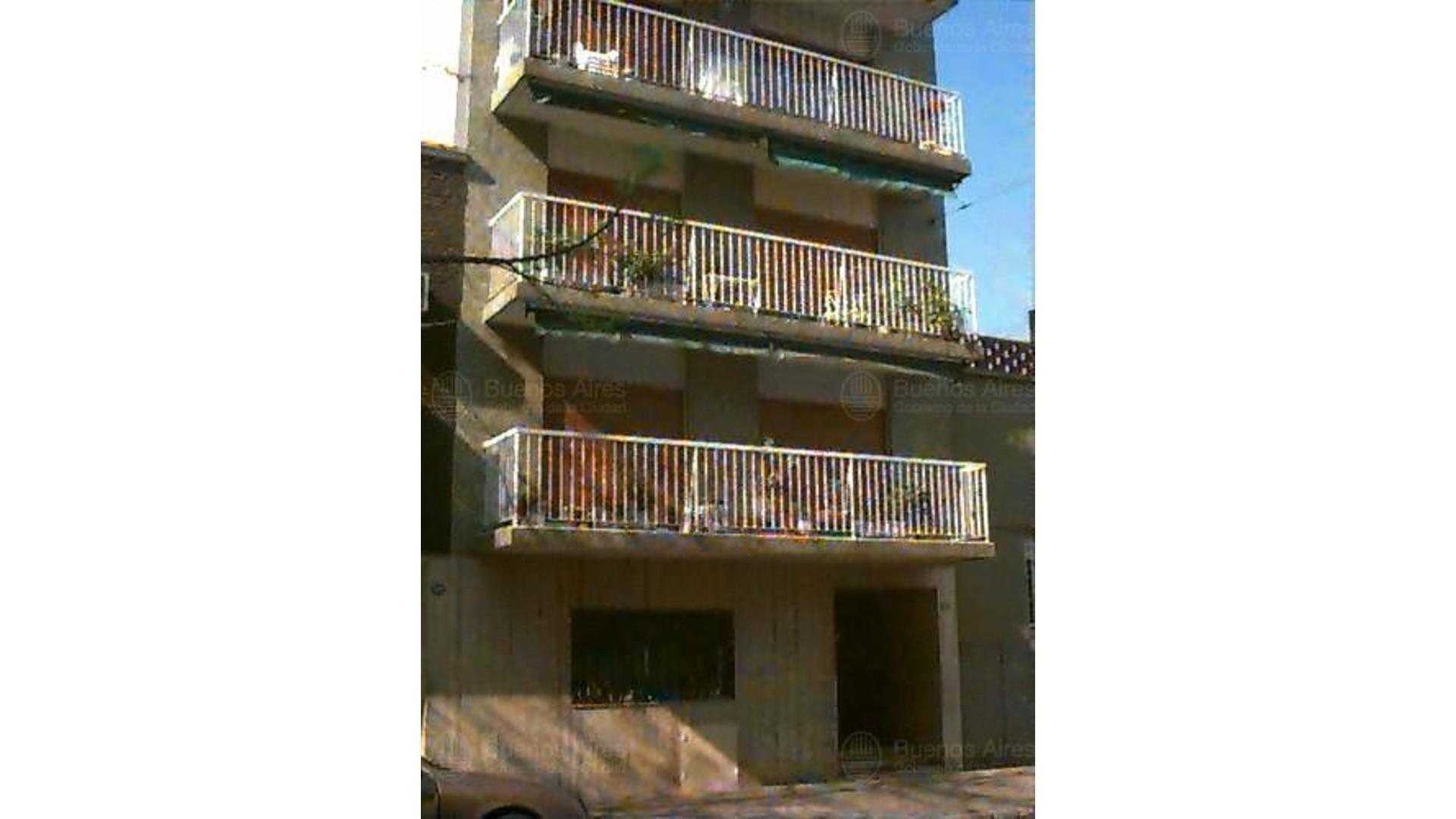Excelente 3 ambientes con Balcón - Culpina 200