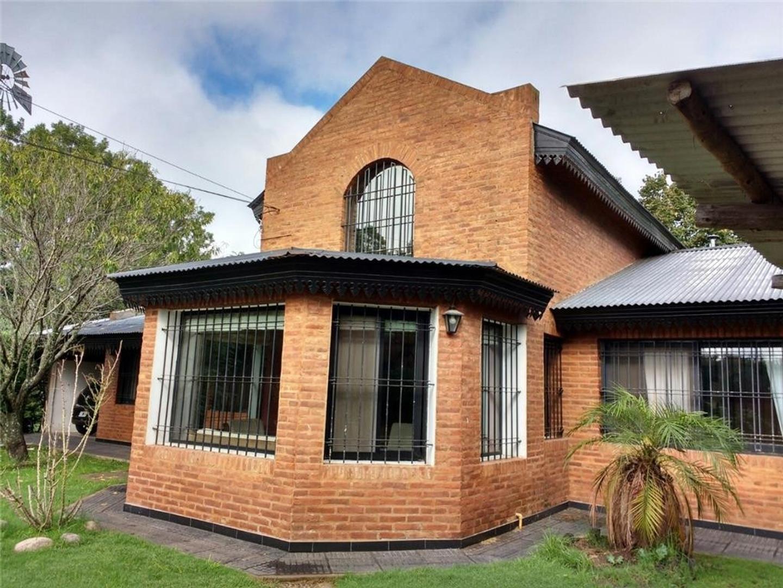 Casa en Venta en Villa Rosa - 5 ambientes