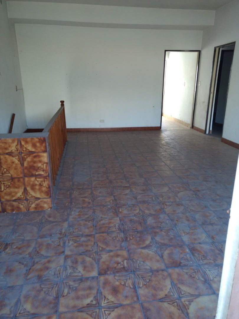 Casa - 400 m² | 6 dormitorios | 30 años