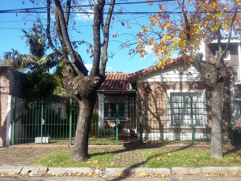Casa en Venta en Olivos Roche - 4 ambientes