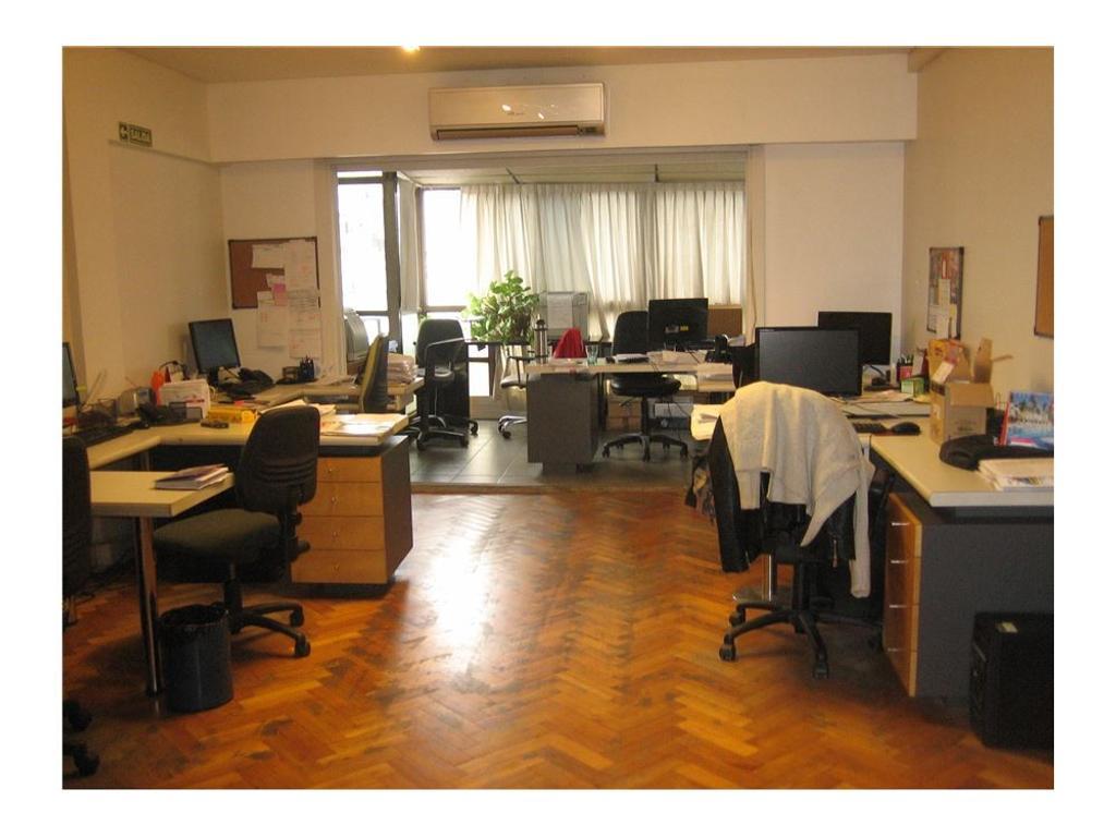 Oficina/Depto de 3 amb. c/balcón y tza. A/crédito