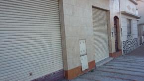 CASA CON DTO. LOCAL Y OFICINA
