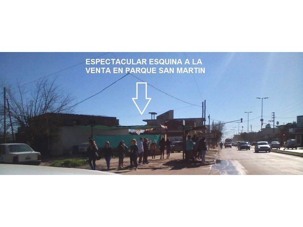 ESPECTACULAR ESQUINA EN PARQUE SAN MARTIN!!IDEAL INVERSORES P/LOCALES Y DEPTOS-MEJORAS CONSTRUIDAS