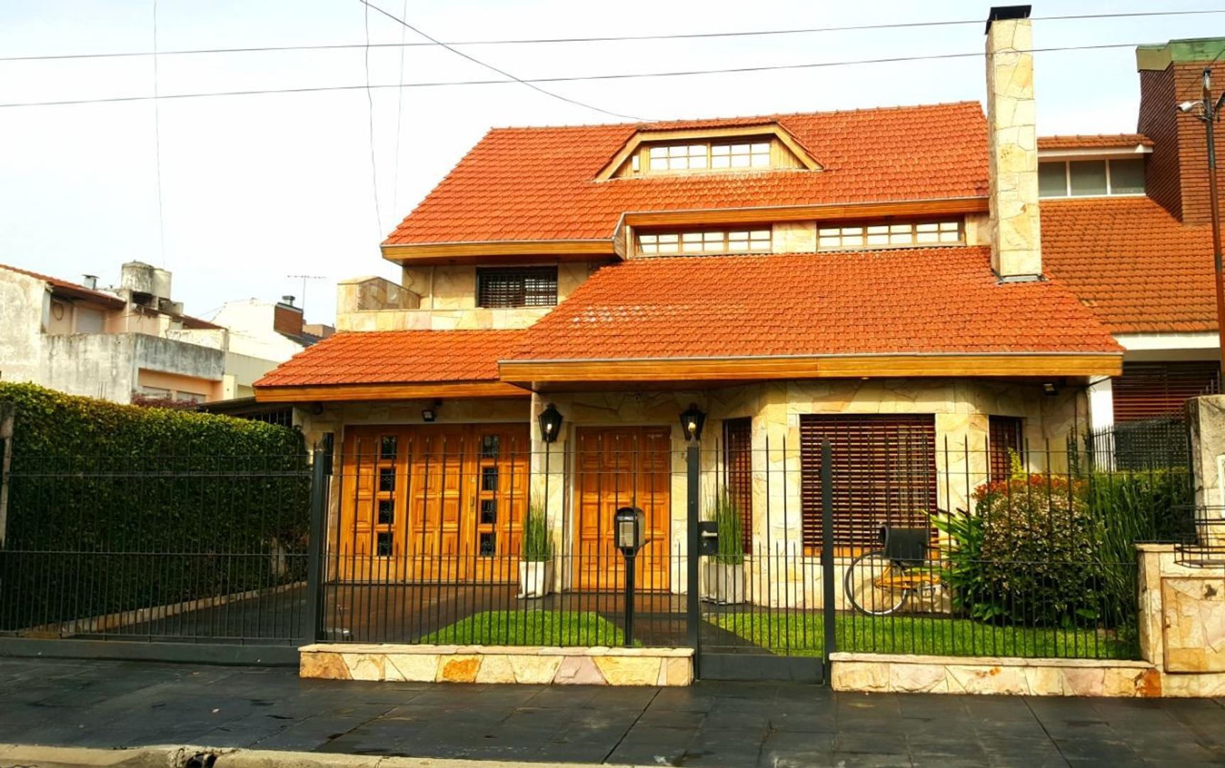 Casa en Venta en Moron Norte - 5 ambientes