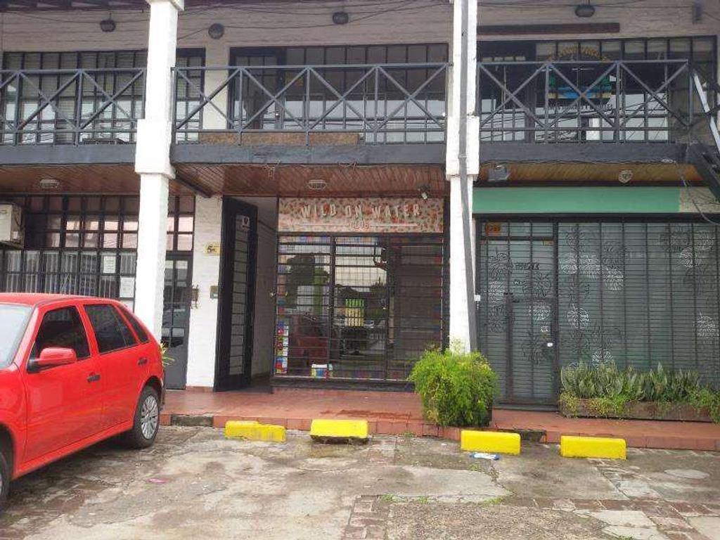 Local - Las Lomas de San Isidro