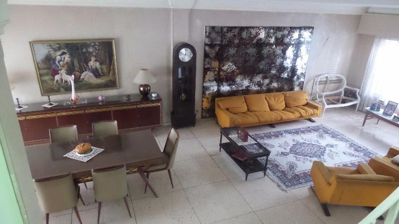 Excelente casa a dos cuadras de Avda. Maipu a vías, de 4 dor., dep., jardin, sotano, escritorio.