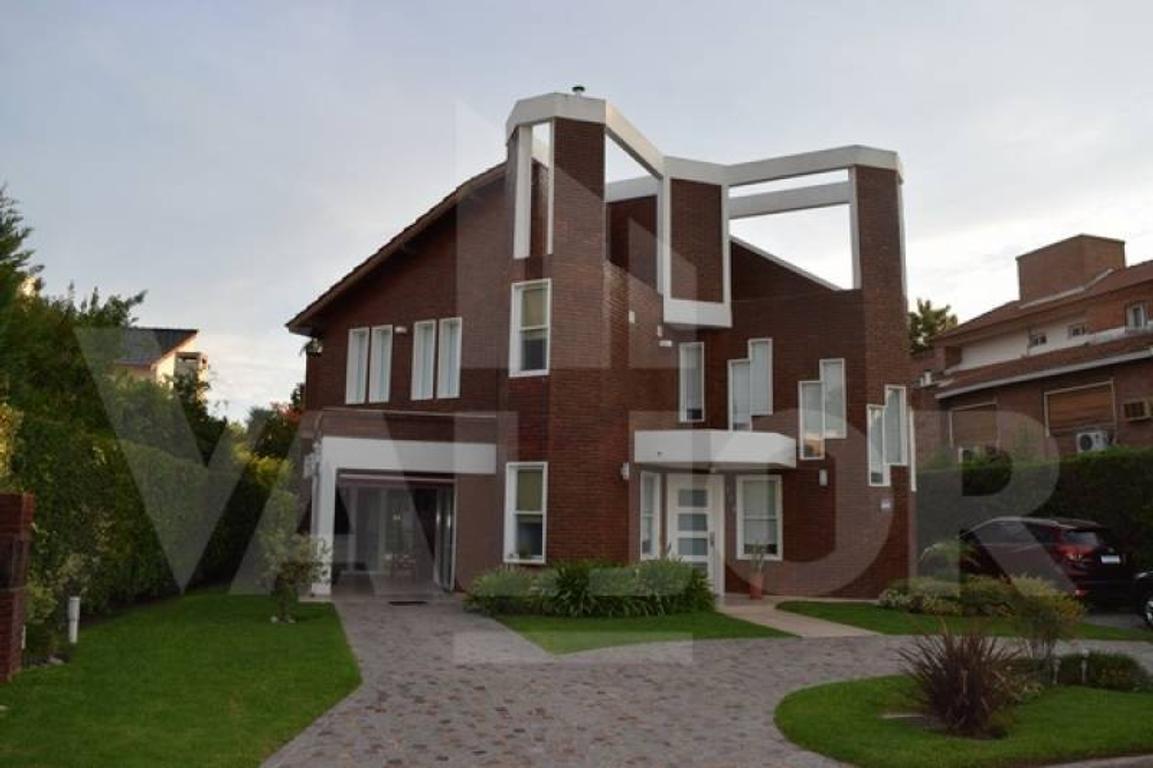 Excelente Casa 2 plantas, quincho Pileta - Country Campo Chico Pilar