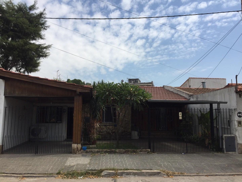 Casa en Venta en Lomas Del Mirador - 4 ambientes