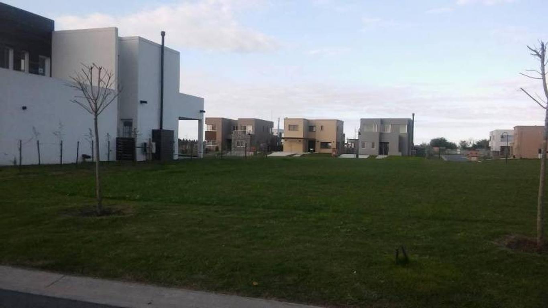 Lote de 450 m2 en venta en Las Tipas Nordelta!!