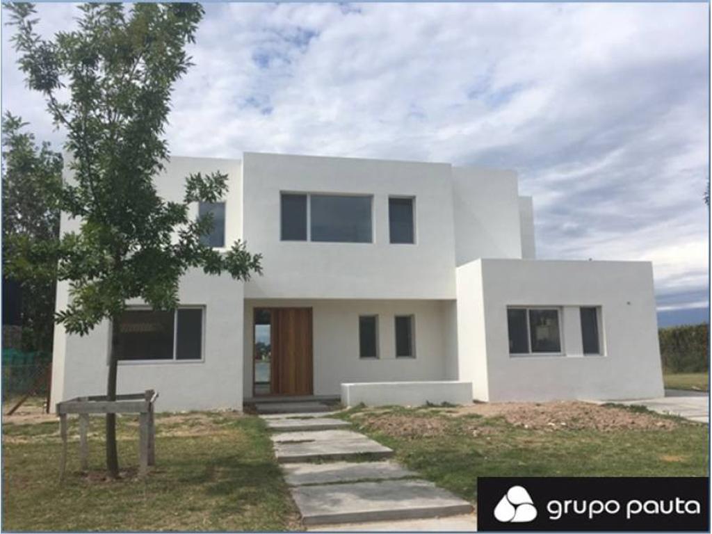Casa en venta en Santa Teresa, Villa Nueva