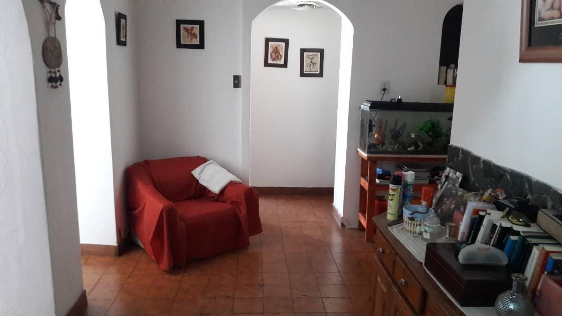 Liniers PH 4 ambientes con Espacio Guarda Coche cubierto y Jardín