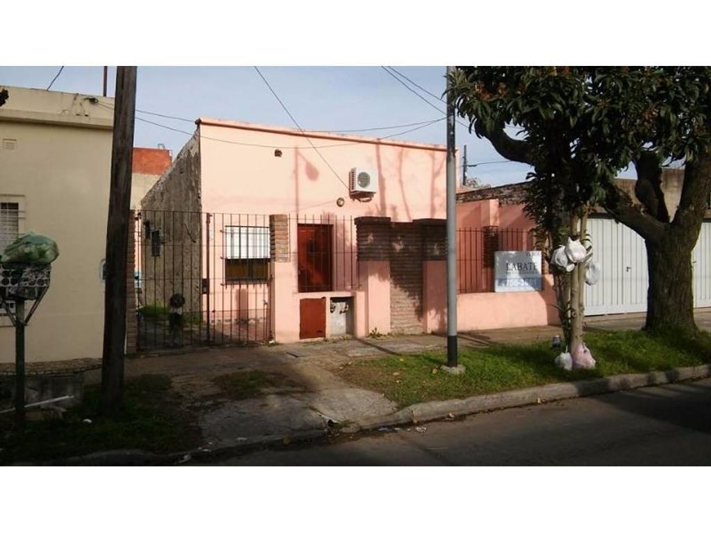 Casa en venta en falucho 1370 villa ballester for Jardin belen villa ballester