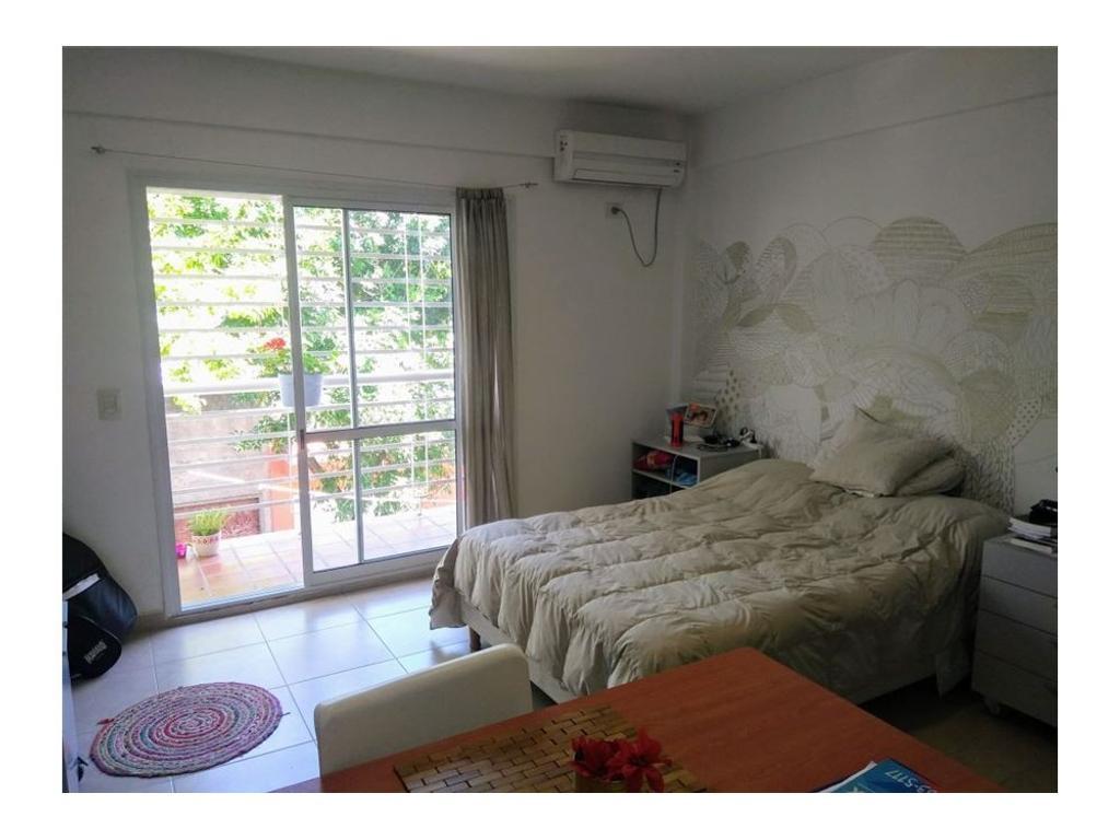 Alquiler monoambiente con balcón villa urquiza