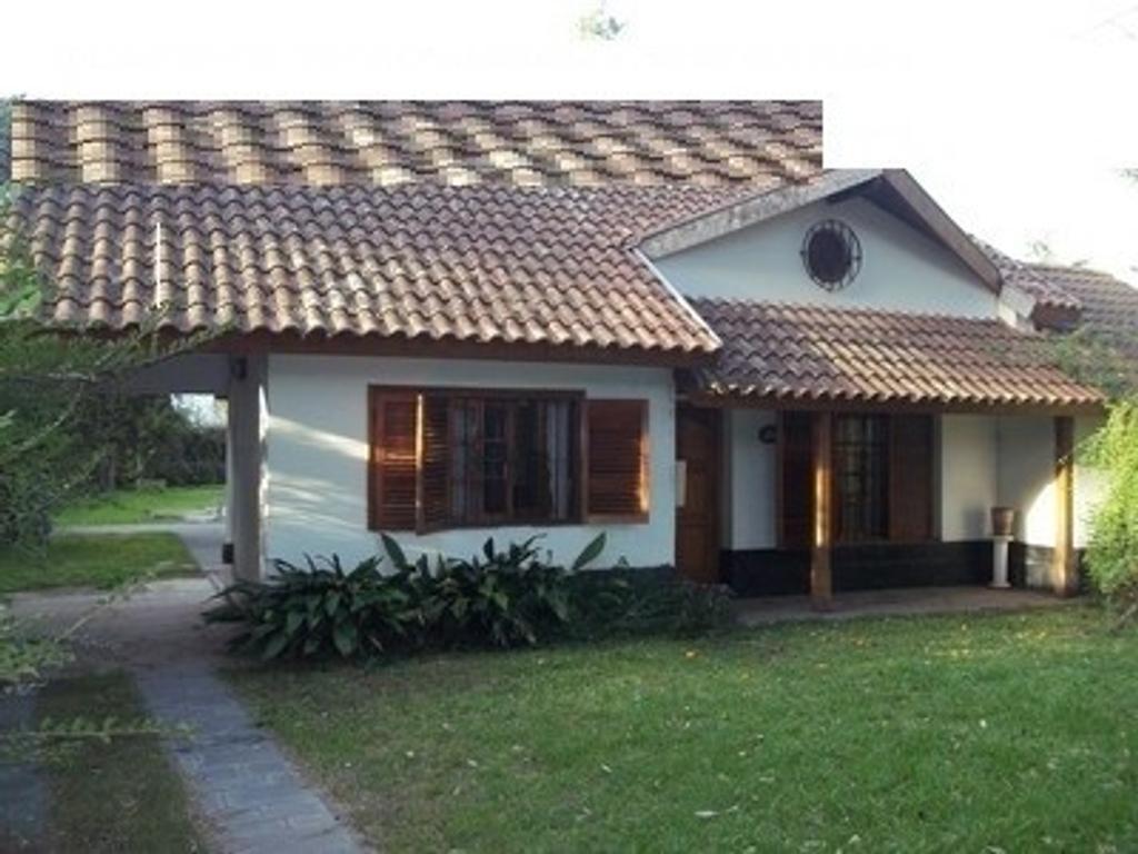 VENTA- PARQUE LELOIR- CHALET DE 3 DORM, 2 BAÑOS, DEP DE SERVICIO. LOTE 600 M2