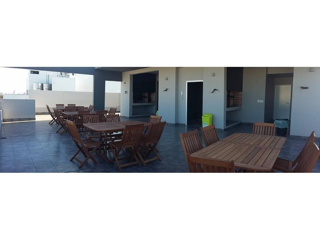 1 Amb - 40 mts totales - Cntfte Balcón - Edificio de Categoría - Apto Profesional
