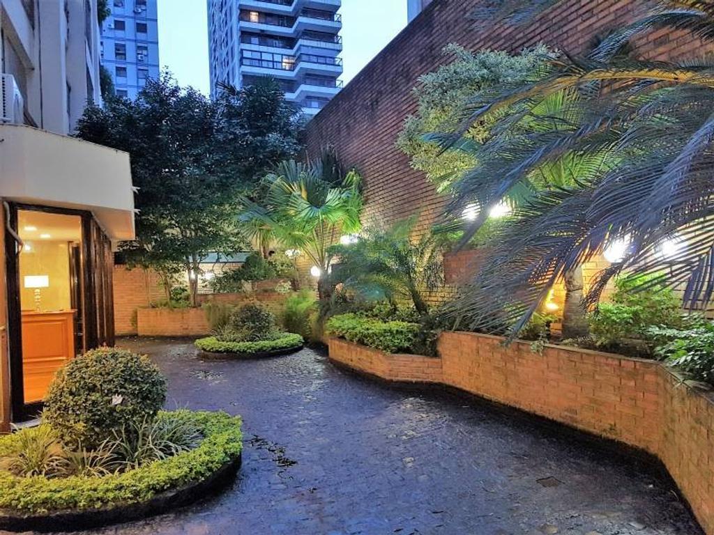 Semipiso en piso 13 de 6 ambientes con terraza en Palermo