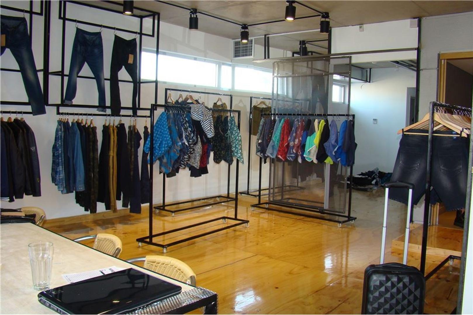EXCELENTE OFICINA 61 m2 EN DISTRITO AUDIOVISUAL