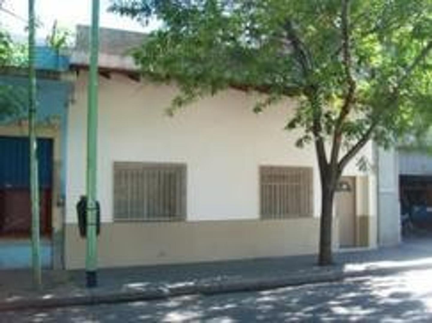 Casa en Venta en Boca - 5 ambientes