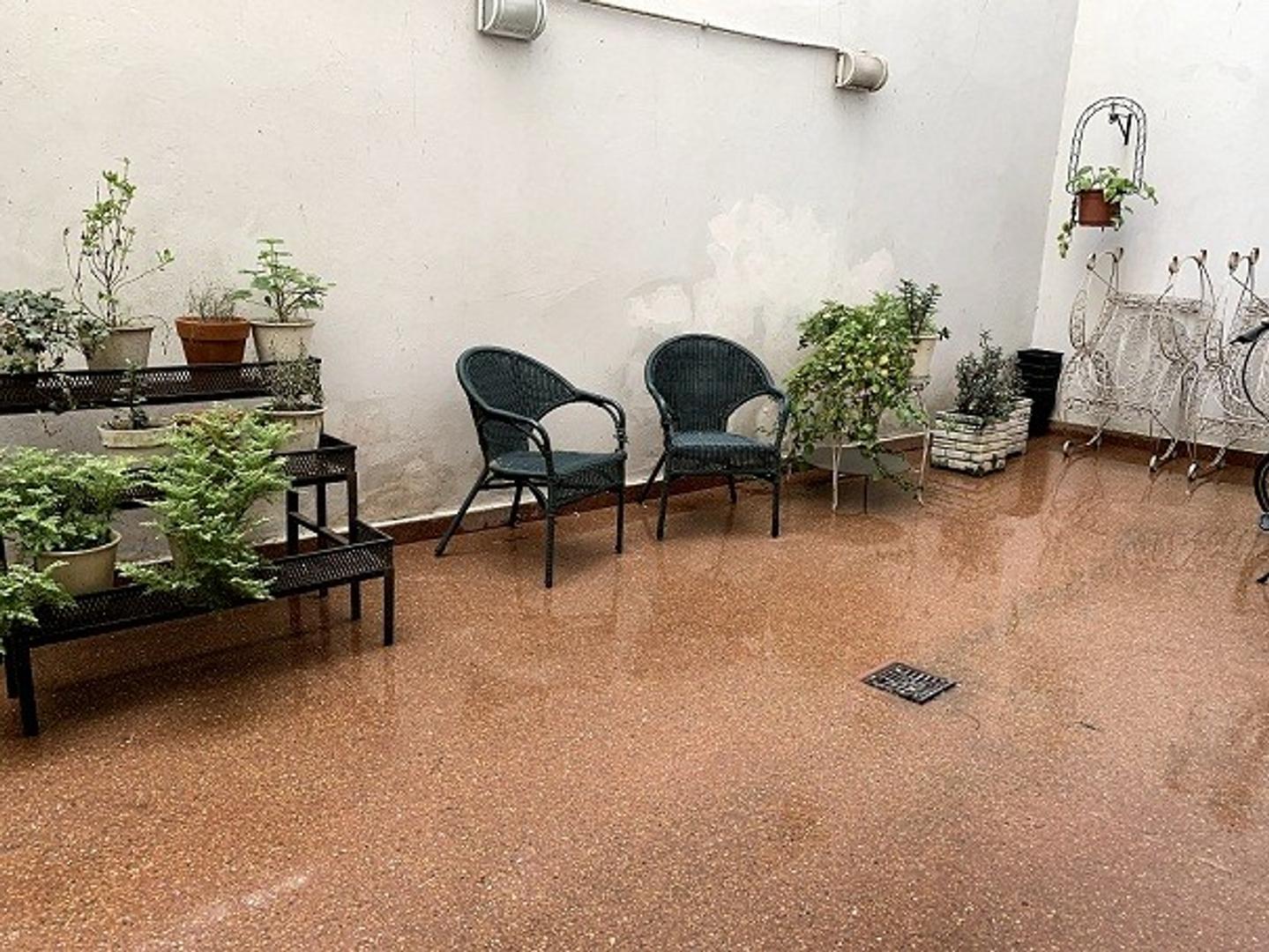Hermoso Dpto. 4 ambientes con dos patios - Foto 8
