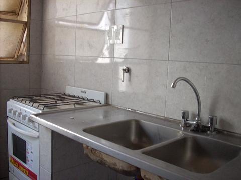 Ph, primer piso por escalera, baños y cocina a nuevo, falta pintura.