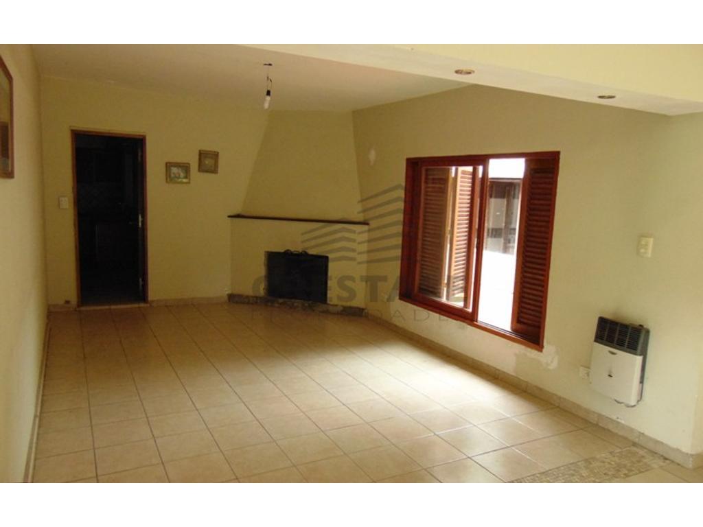 Suipacha 2100 - Casa 4 dormitorios a la venta