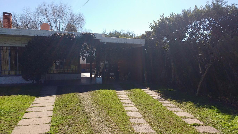 Hermosa casa en Fisherton con amplio parque
