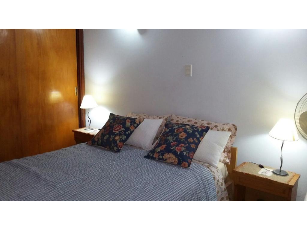 En Venta, Villa Gesell, muy buena ubicacion, Gas Natural.-