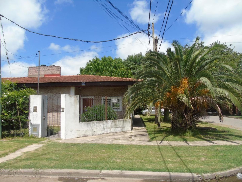 Casa en Venta 10 Bis esq. 505 Dacal Bienes Raices