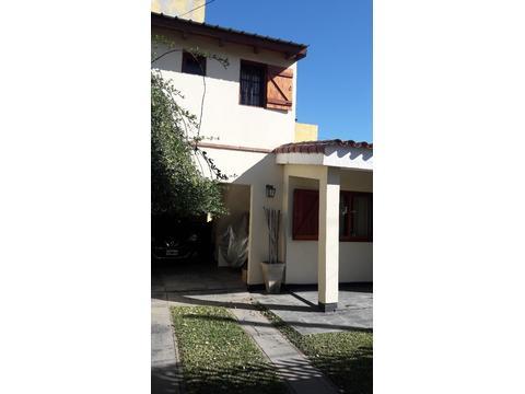 3 Dormitorios - Pileta y Quincho - casa en Venta Brigadier San Martín
