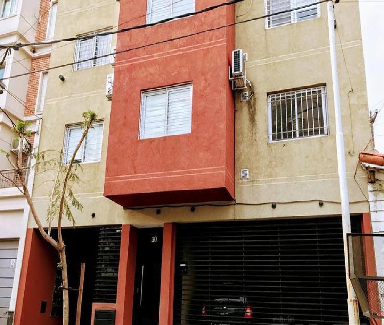 Departamento de dos ambientes en venta apto credito en Haedo Sur