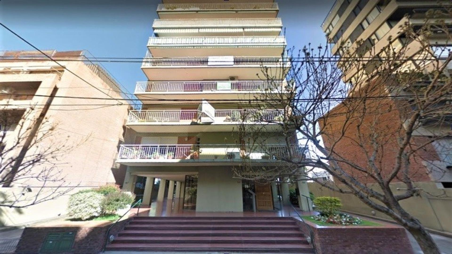Departamento en Martinez Vias / Libertador con 3 habitaciones