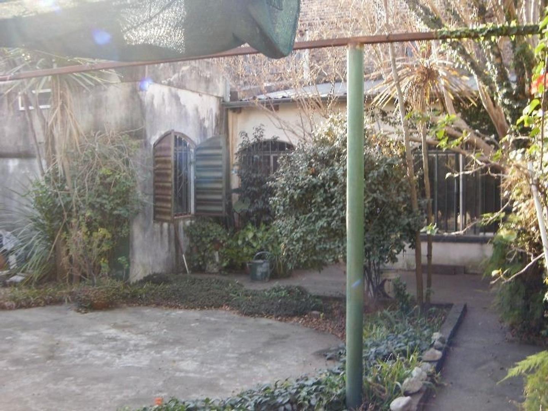 Casa - 130 m² | 2 dormitorios | 40 años