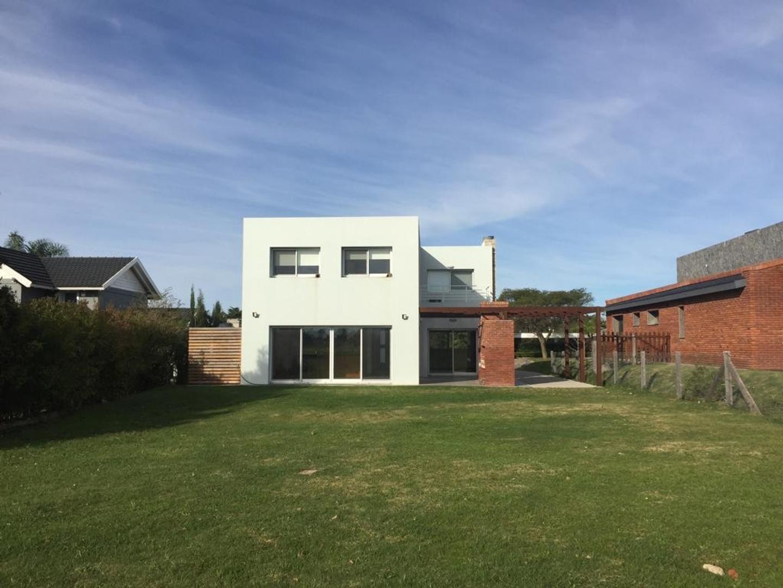 Casa en Alquiler en Canelones - 5 ambientes