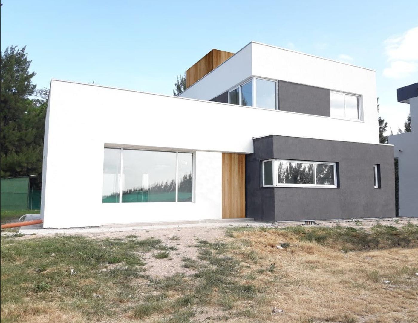 Casa en Venta en Temperley - 2 ambientes
