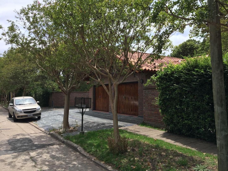 Casa en City Bell Calle 466 e/ 17 y 19 Dacal Bienes Raices