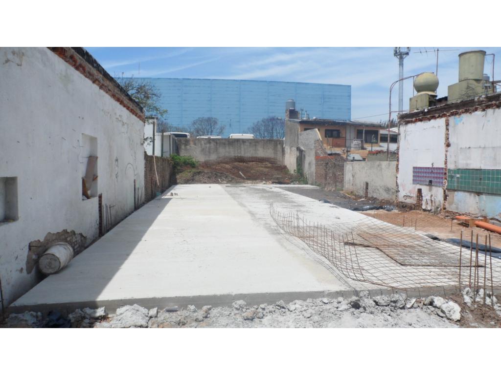 Vende Lote 10 x 37mts  Zona Industrial predominante Con Planos Aprobados  Próximo Panamericana